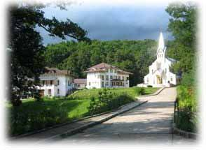 Manastirea Carmelitana Luncani